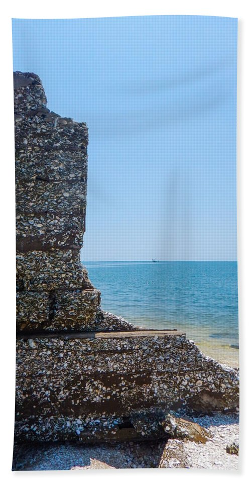 Core Sound Hand Towel featuring the photograph Harbor Island Ruins 1 by Paula OMalley