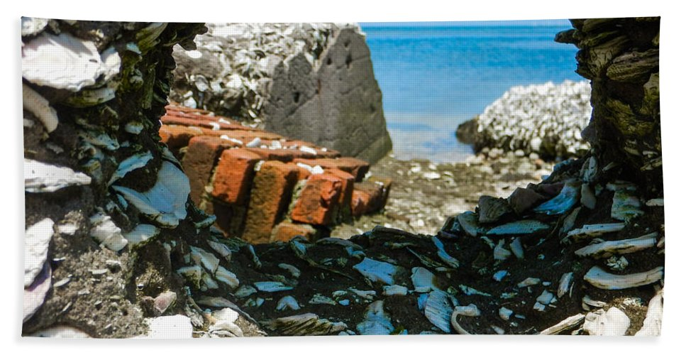 Core Sound Hand Towel featuring the photograph Harbor View 4 by Paula OMalley