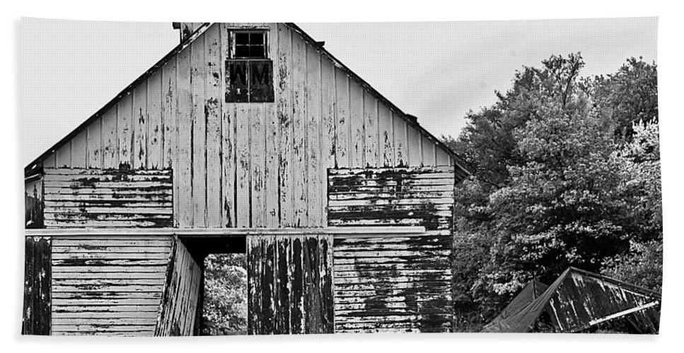Barn Hand Towel featuring the photograph Hard Times by Brian Kerls