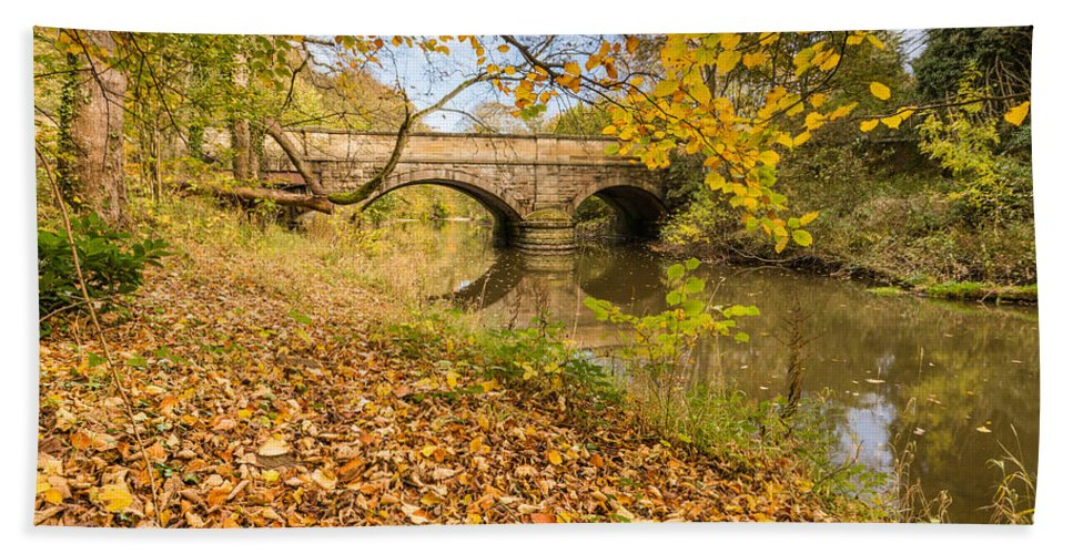 Northumberland Bath Sheet featuring the photograph Hartford Bridge In Autumn by David Head