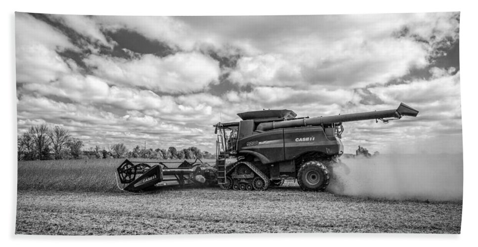 Harvest Time Bath Sheet featuring the photograph Harvest Time by Dale Kincaid