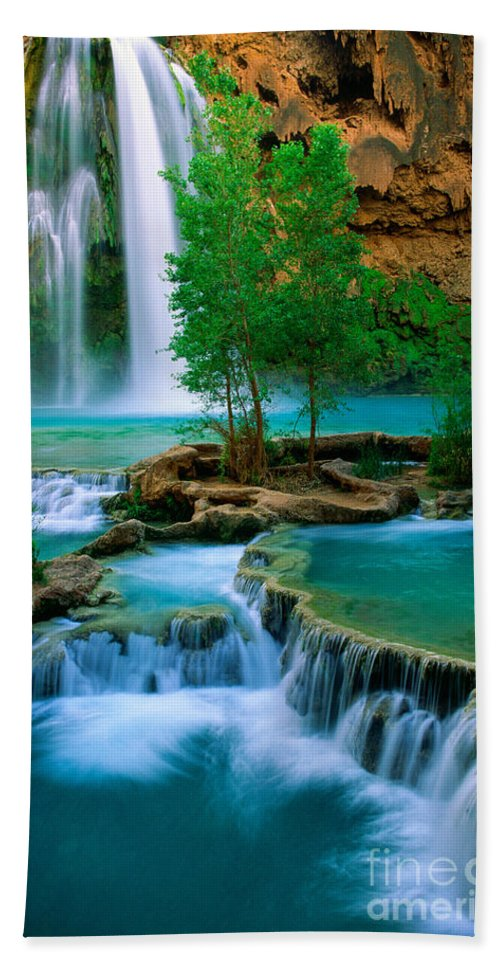 America Hand Towel featuring the photograph Havasu Canyon by Inge Johnsson