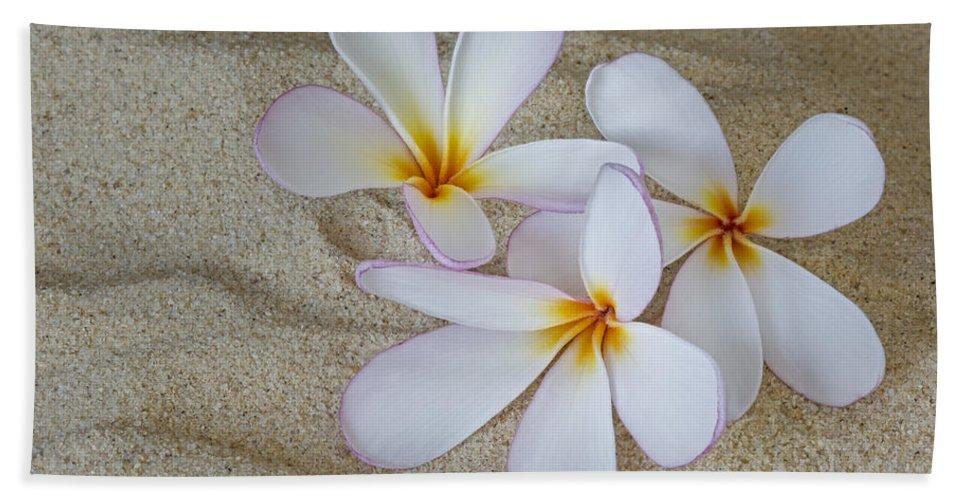 Plumeria Hand Towel featuring the photograph Hawaiian Tropical Plumeria by Susan Candelario
