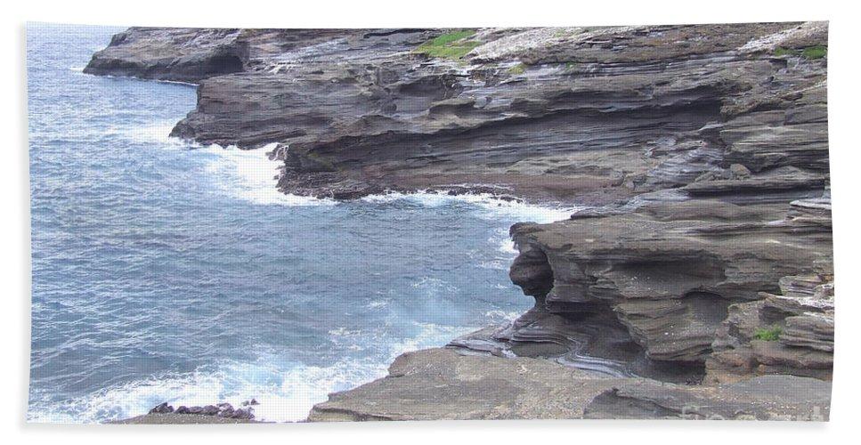 Hawaii Bath Sheet featuring the photograph Hawaii by Andrea Anderegg