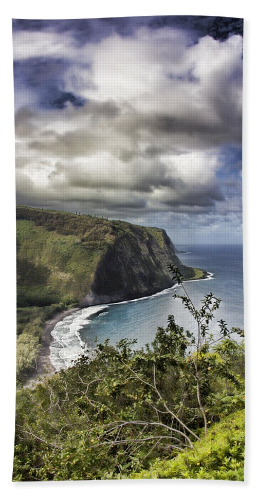 Hawaii Hand Towel featuring the photograph Hawaii Coastline Kauai by Douglas Barnard