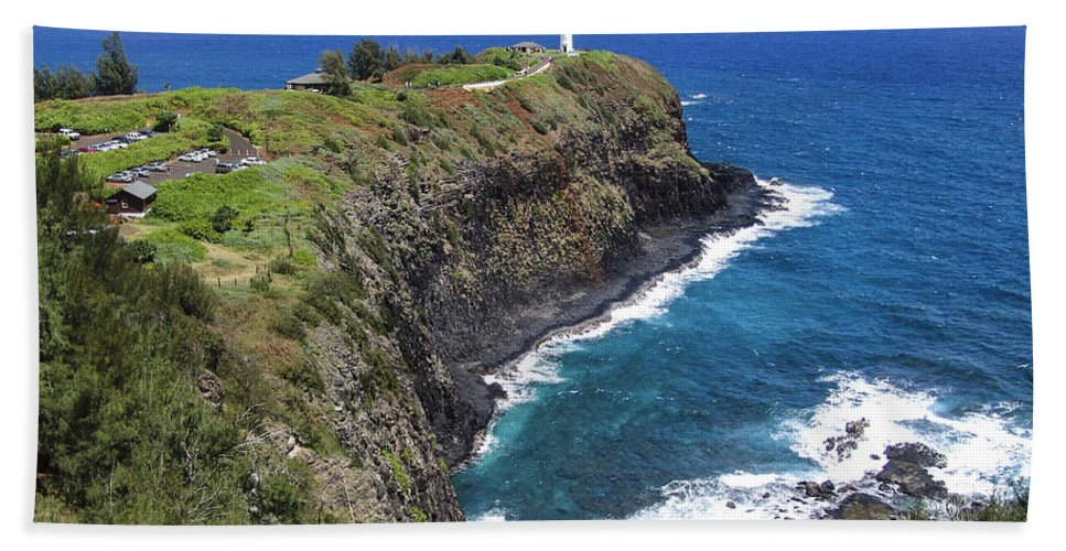 Hawaii Hand Towel featuring the photograph Hawaiian Lighthouse by Eric Swan