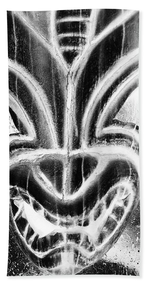 Polynesian Hand Towel featuring the photograph Hawaiian Mask Negative Black And White by Rob Hans