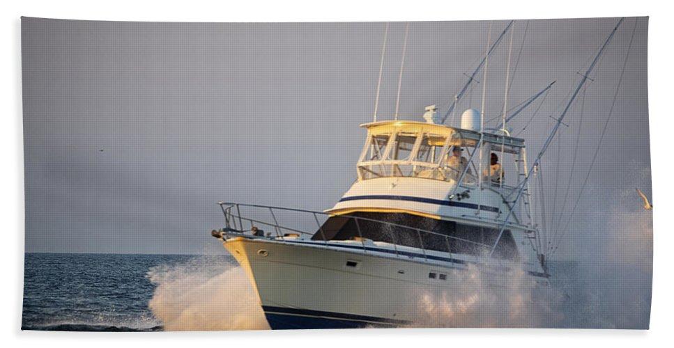 Yacht Bath Sheet featuring the photograph Heaading Home by David Kay