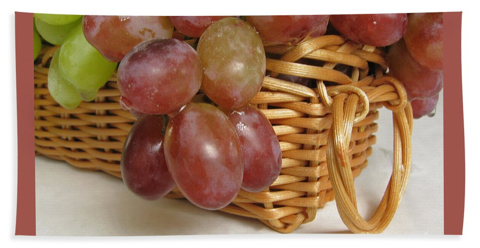 Grapes Bath Sheet featuring the photograph Healthy Snack by Ann Horn