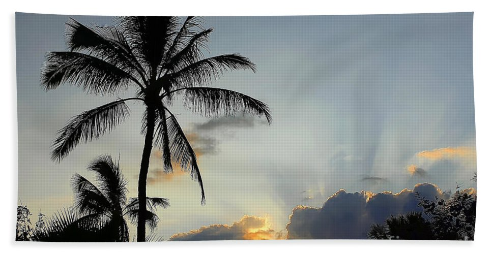 Sunset Bath Sheet featuring the photograph Heavenly Rays by Teresa Zieba