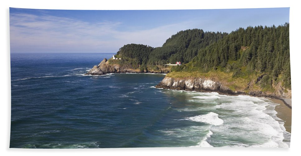 Heceta Bath Sheet featuring the photograph Heceta Head Lighthouse 2 A by John Brueske