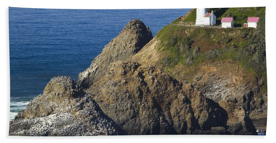 Heceta Bath Sheet featuring the photograph Heceta Head Lighthouse 2 F by John Brueske