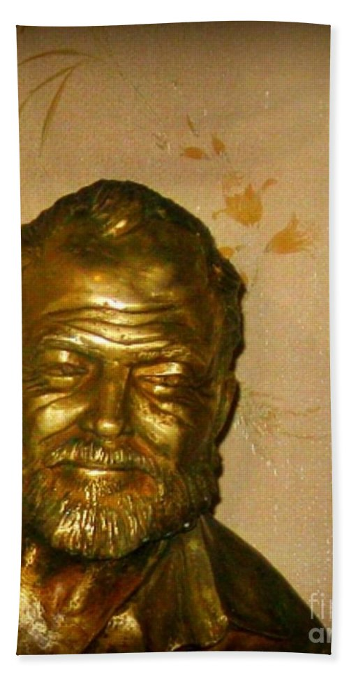 Ernest Hemmingway Hand Towel featuring the photograph Hemmingway In Havana by John Malone