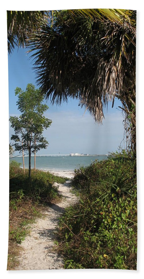 Way Hand Towel featuring the photograph Hidden Path To The Beach by Christiane Schulze Art And Photography