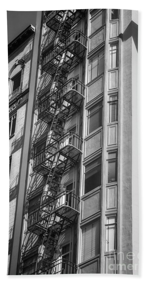Architecture Hand Towel featuring the photograph Highrise Fire Escape Bw by Jerry Fornarotto