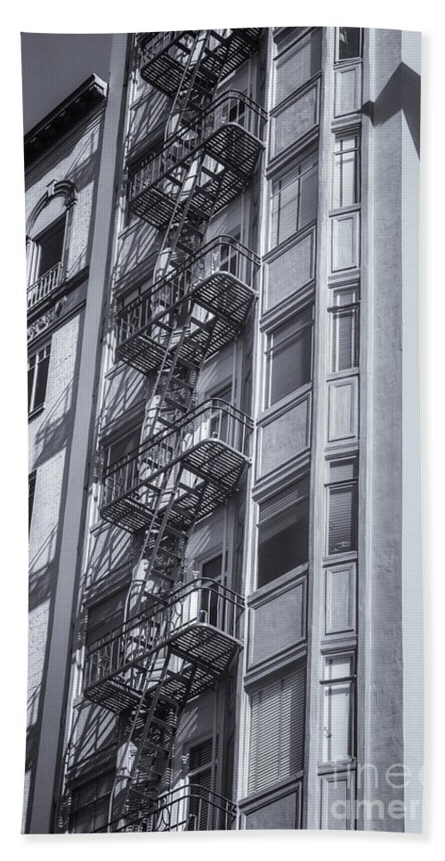 San Francisco Hand Towel featuring the photograph Highrise Fire Escape Selenium by Jerry Fornarotto