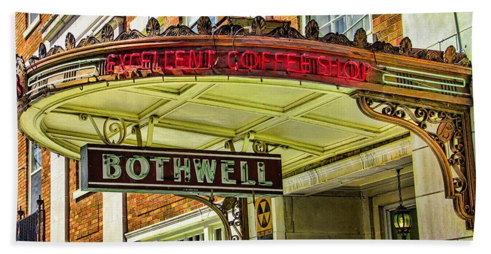 Steven Bateson Hand Towel featuring the photograph Historic Hotel Bothwell by Steven Bateson