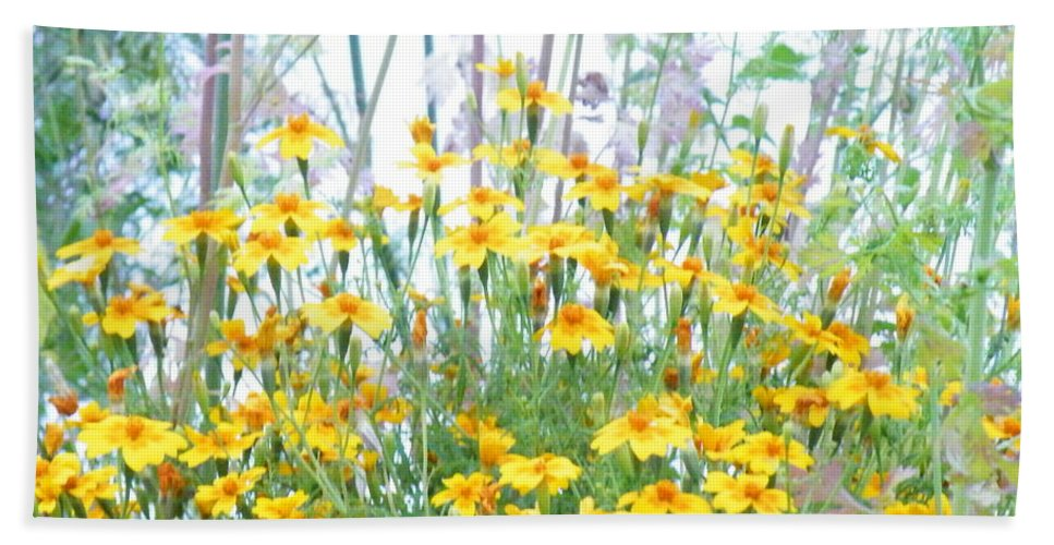 Daisy Bath Sheet featuring the photograph Holding The Foreground by Brian Boyle
