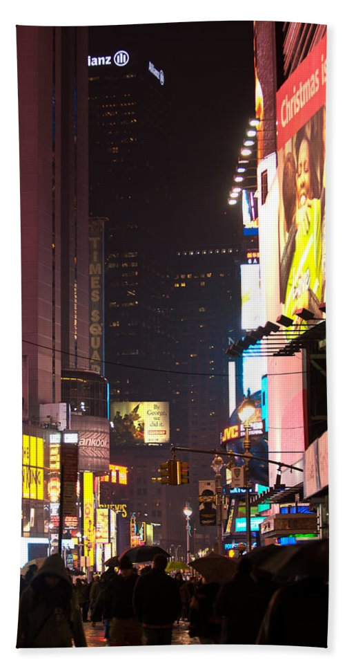 """""""new York City"""" Hand Towel featuring the photograph Holiday Hustle by Paul Mangold"""