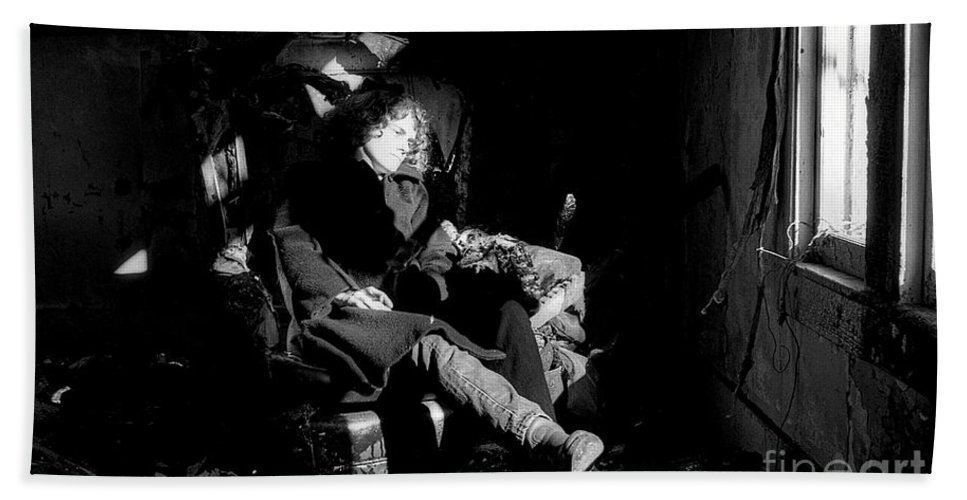 Black-white Hand Towel featuring the photograph Holly In Chair 1980 by Ed Weidman
