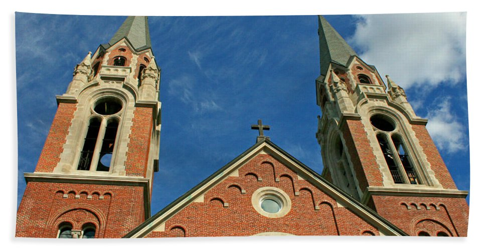 Holy Hill Hand Towel featuring the photograph Holy Hill 1 by Susan McMenamin