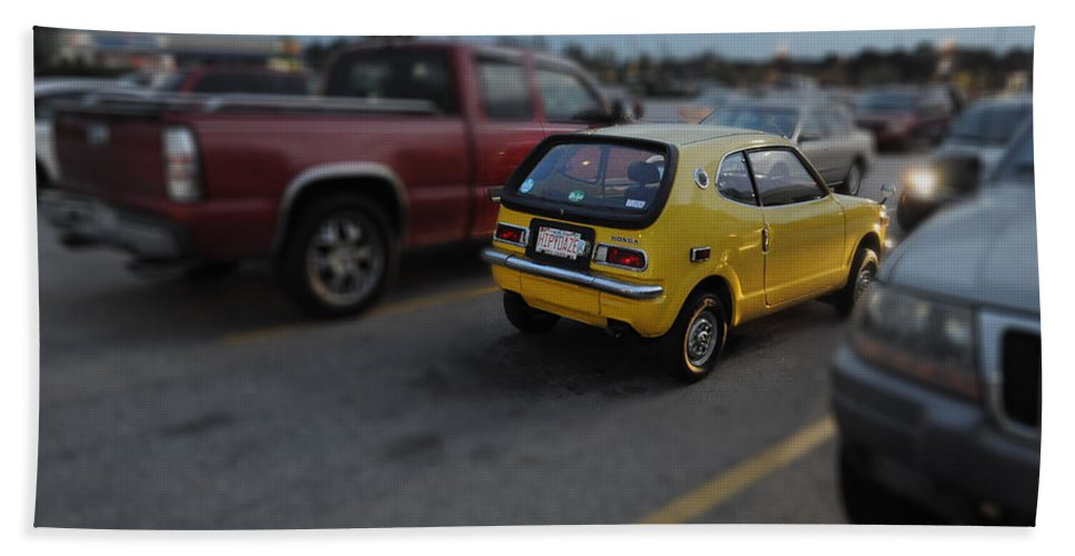 Popular Hand Towel featuring the photograph Honda Z600 by Paulette B Wright