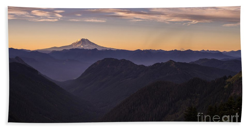Rainier Bath Sheet featuring the photograph Hood And Adams Sunrise Layers by Mike Reid
