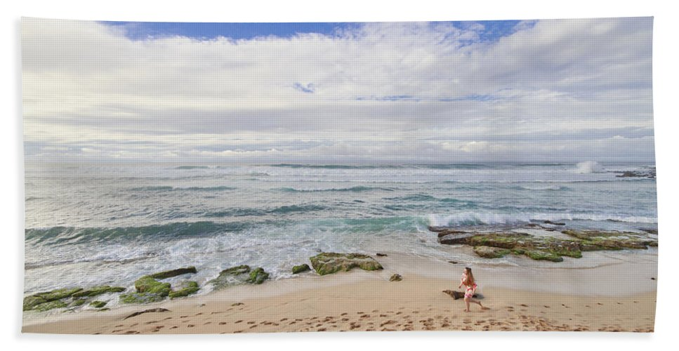 Ho'okipa Beach Park Hand Towel featuring the photograph Ho'okipa Beach Park 9 by Jessica Velasco