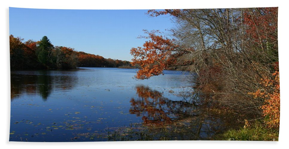 Lake Hand Towel featuring the photograph Hopeville Autumn Reflections   by Neal Eslinger