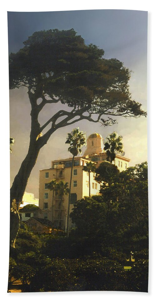 Landscape Bath Sheet featuring the photograph Hotel California- La Jolla by Steve Karol