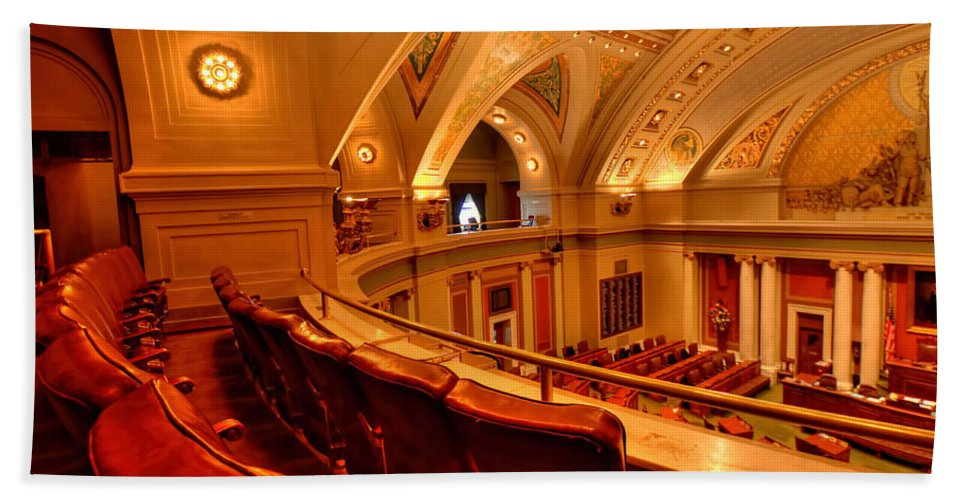 Minnesota State Capitol Hand Towel featuring the photograph House Gallery by Amanda Stadther