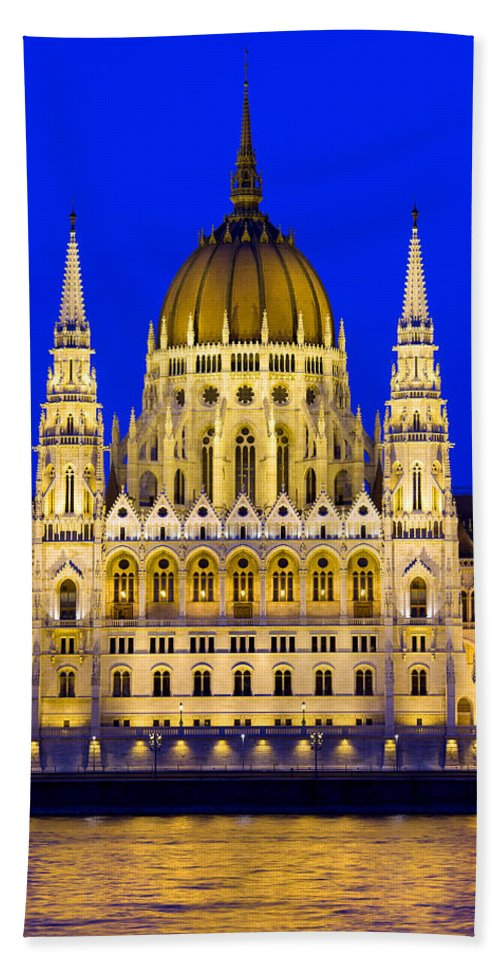 Budapest Bath Sheet featuring the photograph Hungarian Parliament At Twilight by Artur Bogacki
