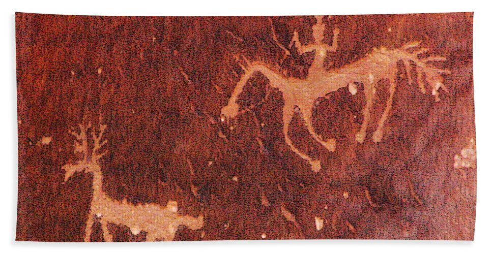 Petroglyph Hand Towel featuring the photograph Hunter And The Hunted by Joe Kozlowski