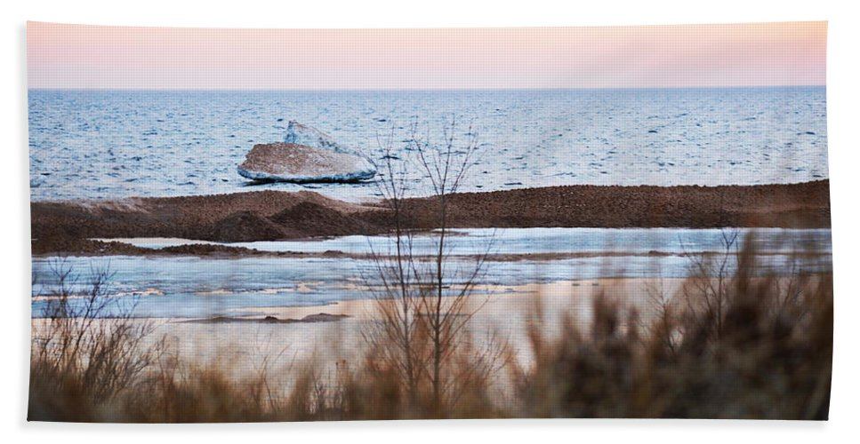 Lake Michigan Bath Sheet featuring the photograph Iceberg by Linda Kerkau