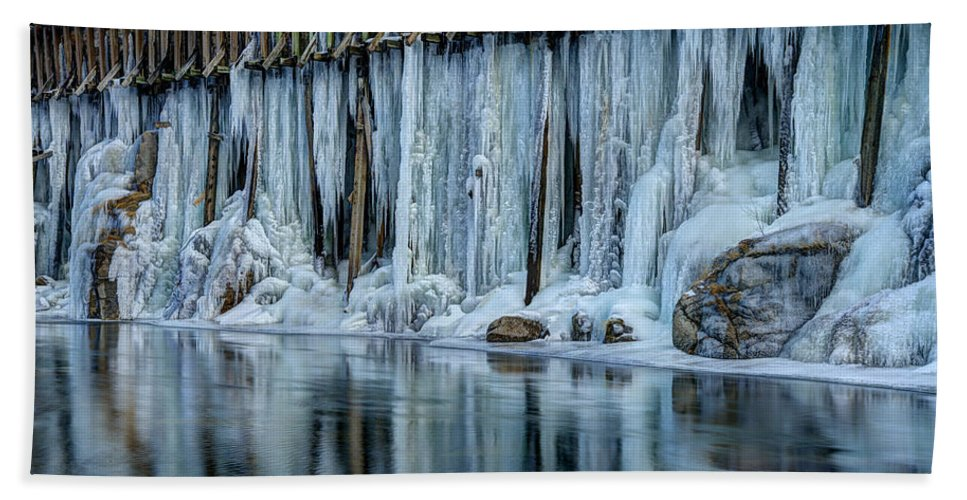 Icicles Bath Sheet featuring the photograph Icicles 2 by Dianne Phelps