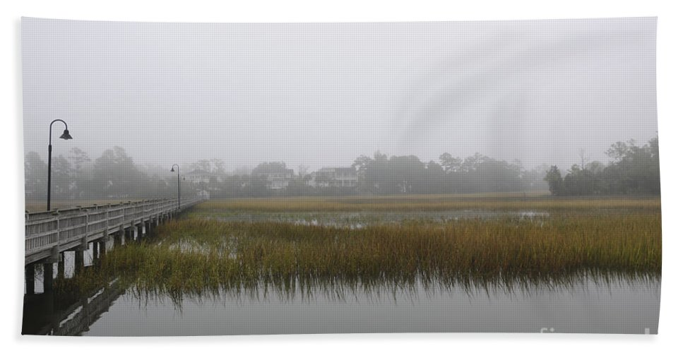 Fog Hand Towel featuring the photograph Icy Foggy Day by Dale Powell