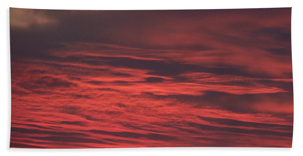 Icy Red Sky Hand Towel featuring the photograph Icy Red Sky by Jennifer Allen