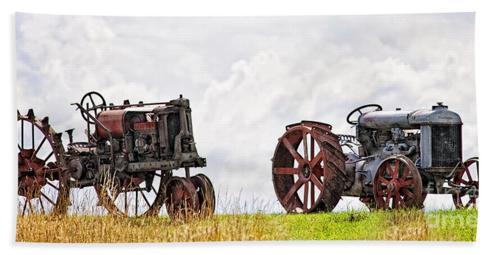 Tractors Hand Towel featuring the photograph Idle Fordson Tractor On The Hill by Timothy Flanigan