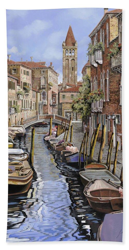 Venice Bath Sheet featuring the painting il gatto nero a Venezia by Guido Borelli