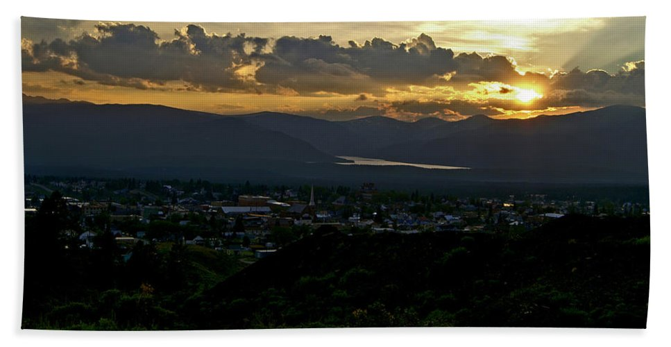 Sunset Hand Towel featuring the photograph In My Place by Jeremy Rhoades