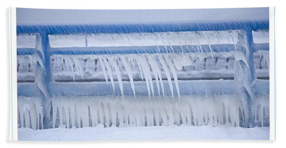 Icicles Hand Towel featuring the photograph In The Bleak Midwinter by John Stephens
