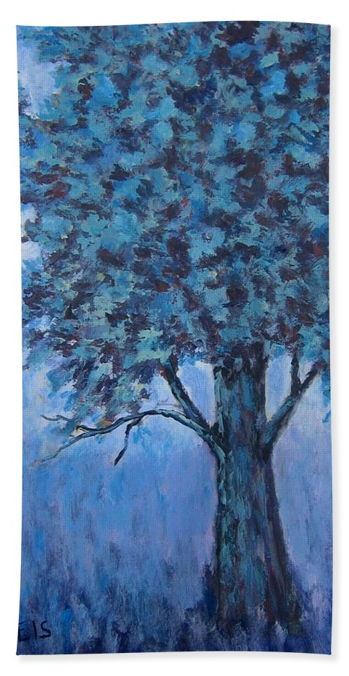 Trees Bath Sheet featuring the painting In The Mist by Suzanne Theis
