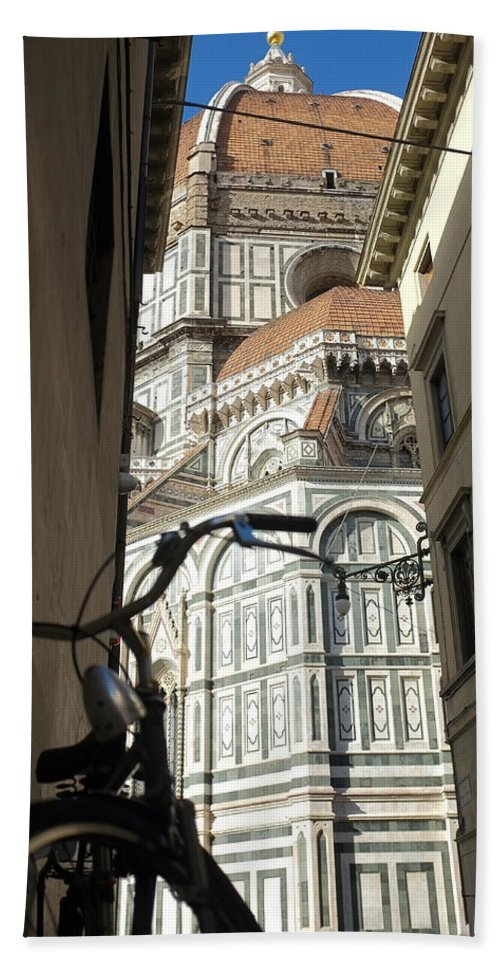 Florence Hand Towel featuring the photograph In The Shadow Of Il Duomo by Christopher Rees