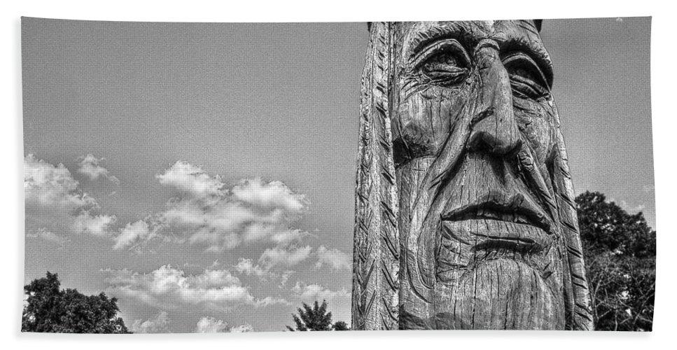 Charleston Hand Towel featuring the photograph Indian Chief Charlestowne Landing by E Karl Braun