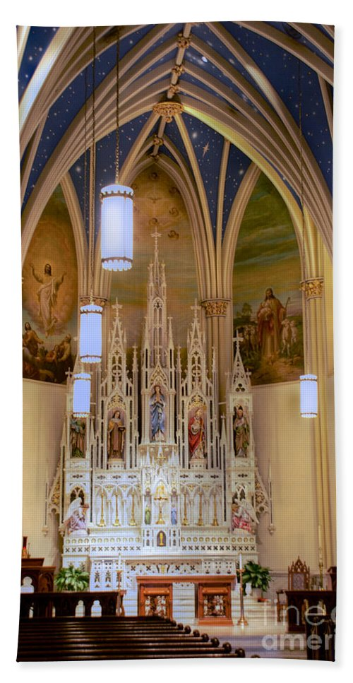 Annapolis Bath Sheet featuring the photograph Interior Of St. Mary's Church by Mark Dodd