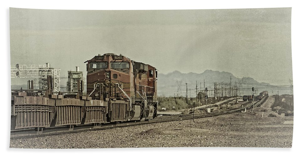 Bnsf Bath Sheet featuring the photograph Into The Mojave by Jim Thompson