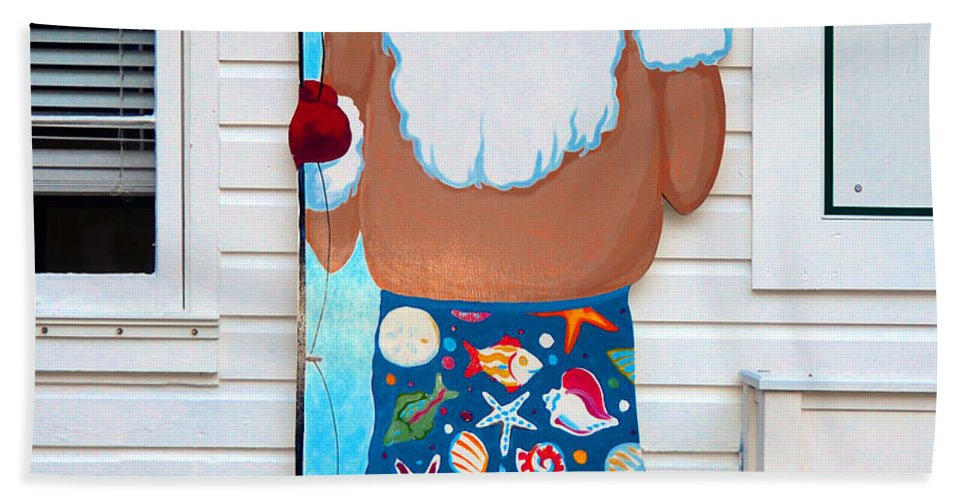 Santa Hand Towel featuring the photograph Island Santa by David Lee Thompson