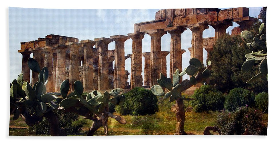 Italy Hand Towel featuring the digital art Italian Ruins 1 by Timothy Hacker