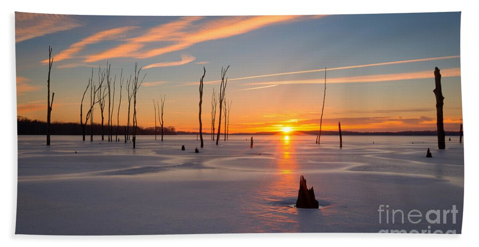 Frost Bite Hand Towel featuring the photograph Its A New Day by Michael Ver Sprill