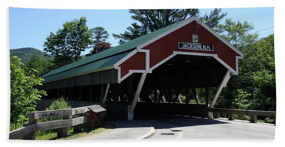 Jackson Covered Bridge Hand Towel featuring the photograph Jackson Covered Bridge Nh by Christiane Schulze Art And Photography